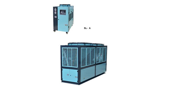 Air cooled chiller for injection machinery