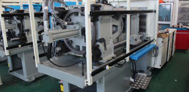 180 ton plastic injection molding machine
